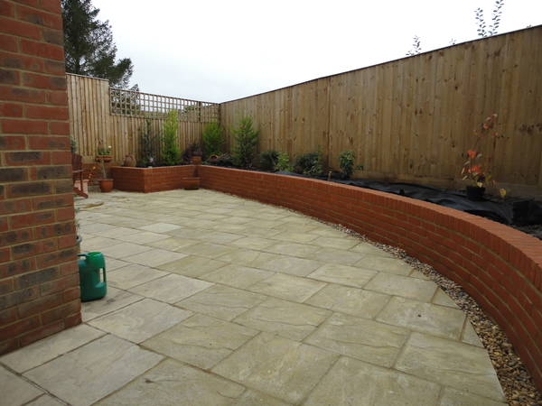 Retaining wall and Patio in Tring
