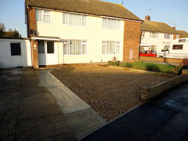 Gravel driveway in Aylesbury after