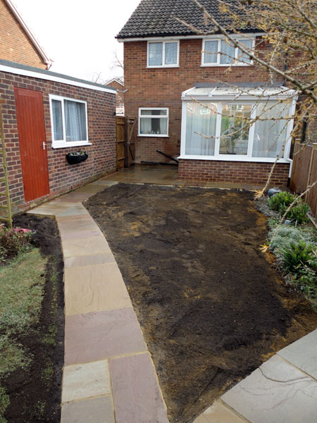 Garden and path in Aylesbury after